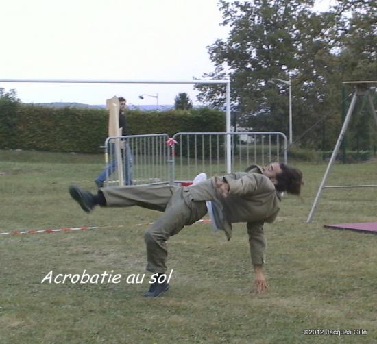 acrobatie-au-sol-001.jpg