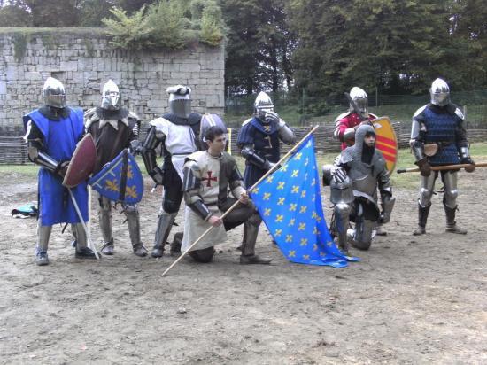des-guerriers-en-armure-1.jpg