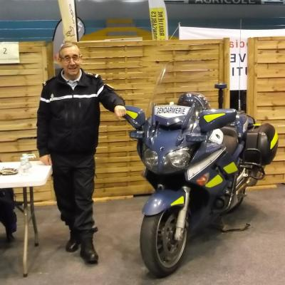 Le gendarme et sa moto